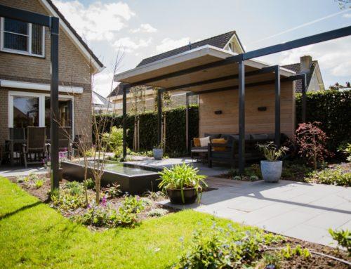Overkapping maakt tuin compleet